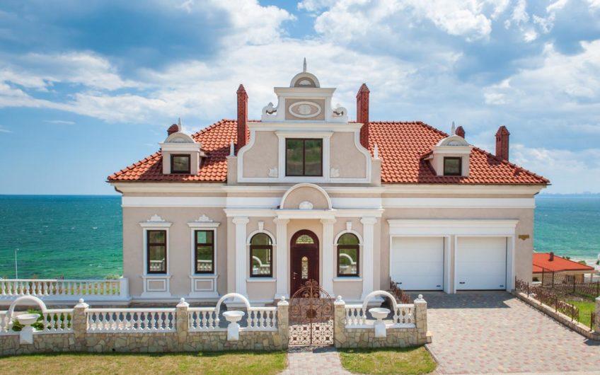Одесса Домовладение в охраняемом городке на берегу моря!