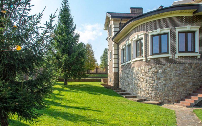 Горбовичи Гореничи Дом в охраняемом городке, каскад озер.