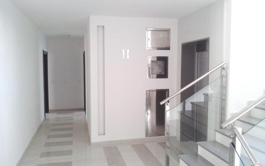 Апартаменты в жилом доме с бизнес помещениями / Будва / Черногория