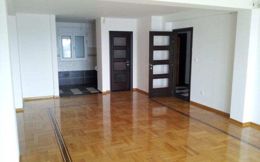 Апартаменты в жилом комплексе класса люкс / Петровац / Будва / Черногория