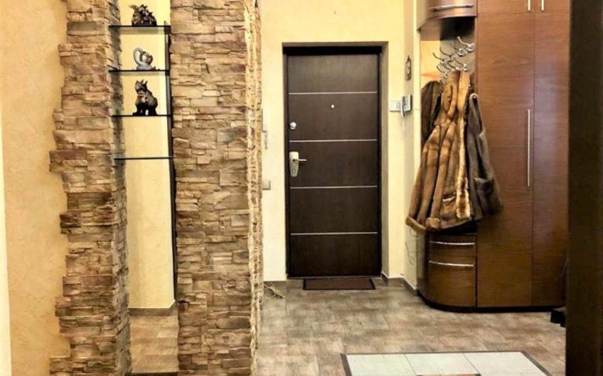 Долгосрочная аренда 3-х К. квартиры на Печерске ул.Лабораторная 8