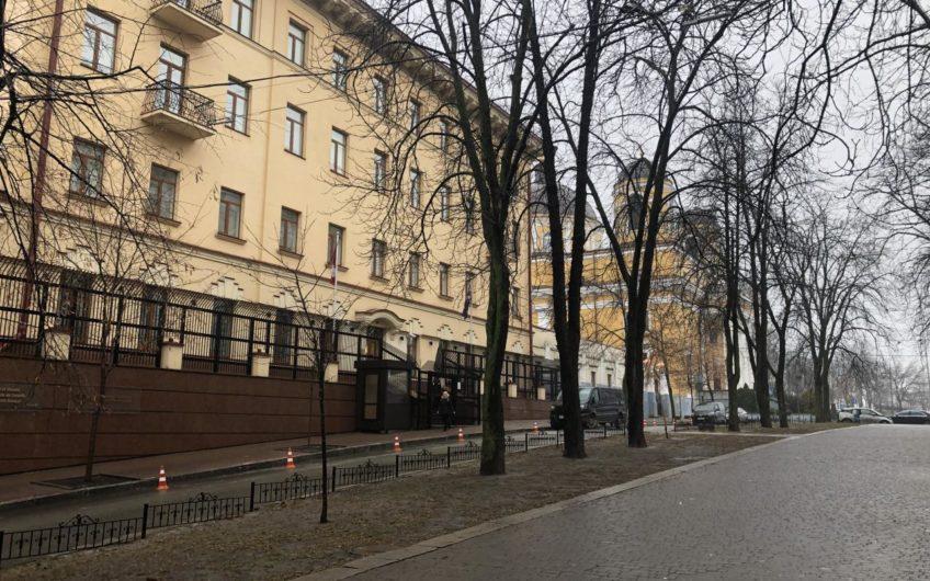 Продажа квартиры 6/6 + техэтаж в историческом центре ул. Костельная, 9